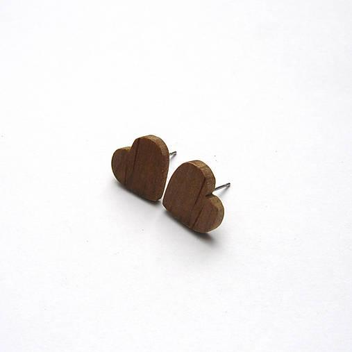 Drevené náušnice napichovacie - jelšové srdiečka