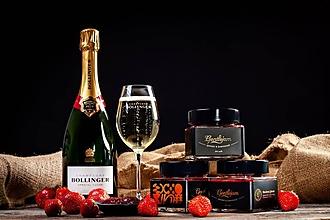 Potraviny - Bondova jahoda- Jahodový džem s ružovou vodou a Bollinger šampanským - 11149999_