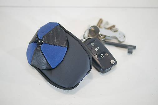 Kožená kľúčenka - čiapky- modrá a čierna