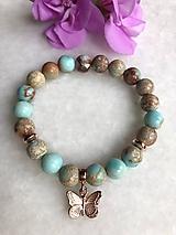 Náramky - Dámsky náramok z minerálu regalit, hematit / ružovo zlatý motýlik - 11150698_