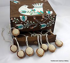 Dekorácie - Vianočné háčkované Oriešky krémové - 11149312_