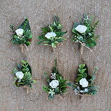 Pierka - Svadobné pierka, greenery, zeleň a biele, krémové ružičky - 11154617_