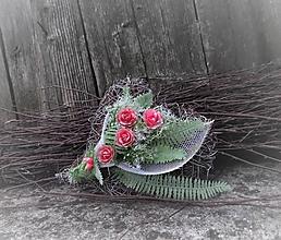 Dekorácie - malé prútené srdiečko na dušičky - 11155764_