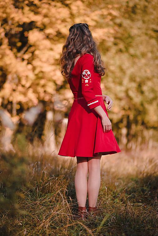 Červené krátke šaty Poľana