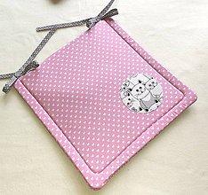 Textil - Podsedák na školskú stoličku č.15 (ružový s mačičkami) - 11154102_