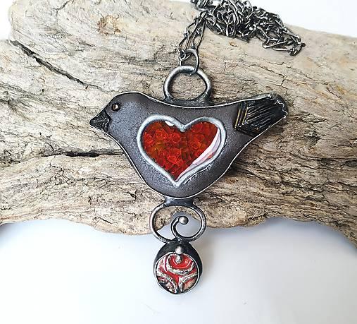 Keramický šperk so sklom  - Vtáčik