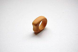 Prstene - Drevený prsteň 6 - 11155505_