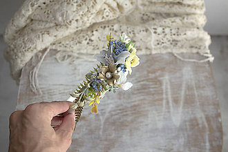 Ozdoby do vlasov - Kvetinová čelenka ,,belasá,, - 11154344_