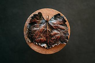 Náhrdelníky - Prívesok viničný list - 11155395_