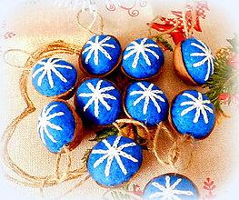 Dekorácie - Plstené vianočné oriešky - modré - 11155285_