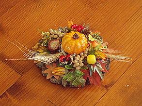 Dekorácie - Jesenná dekorácia s tekvicou na dreve - 11153065_