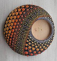 Svietidlá a sviečky - Bodkovaný drevený svietnik - akryl (Drevený svietnik 3) - 11156856_