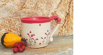 Nádoby - Červený keramický hrnček na čaj - kvetinka - 11157262_