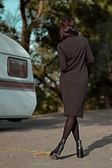 Šaty - FNDLK úpletové šaty 429 RuVdL midi - 11157049_