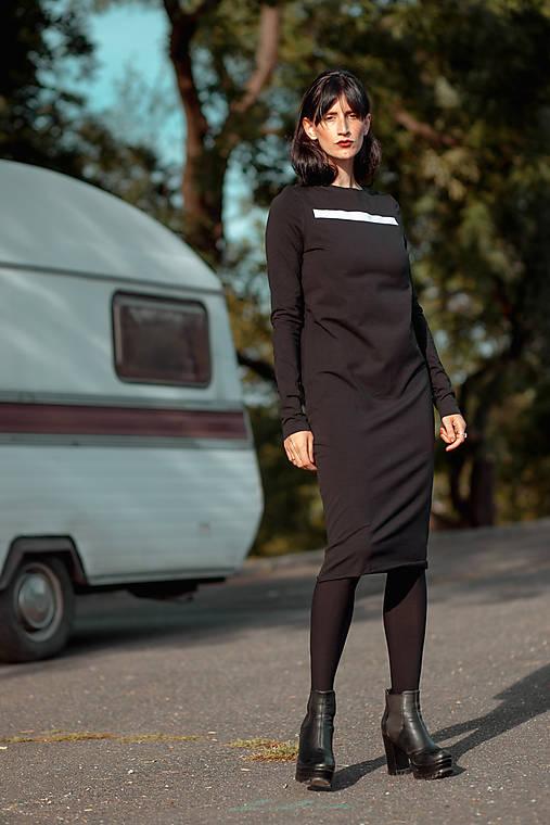 FNDLK úpletové šaty 429 RuVdL midi