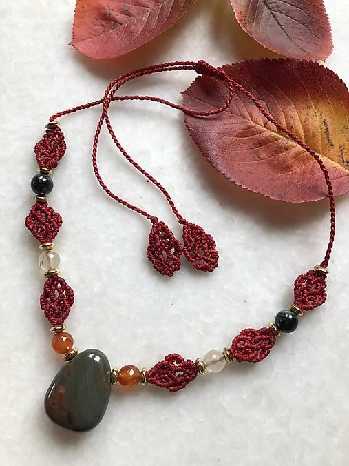 Červený makramé náhrdelník s jaspisom
