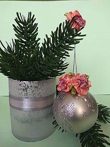 Dekorácie - Vianočná guľa s kvietkami I (lososovými) - 11157344_