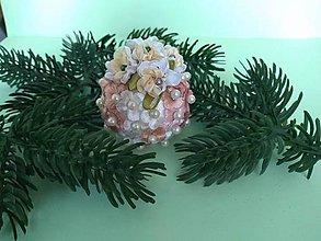 Dekorácie - Vianočná guľa s kvietkami II (pestrofarebná) - 11157537_