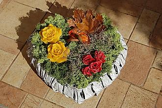 Dekorácie - Dušičková dekorácia s kvetinkami z včelieho vosku - Bielošedé srdce - 11157753_