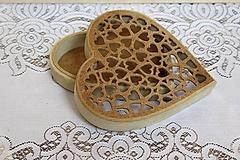 Polotovary - krásne vyrezávané srdce - 11159458_