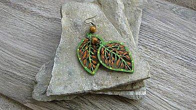 Náušnice - Veľké drevené maľované náušnice (zeleno hnedé lístky, č 2899) - 11159715_