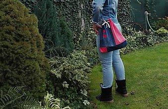 Iné tašky - Rifľová taška na rameno s výšivkou - 11157795_