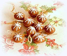Dekorácie - Plstené vianočné oriešky - hnedé - 11158546_