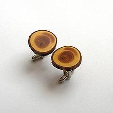 Šperky - Drevené manžetové gombíky - z tisovej halúzky - 11160576_