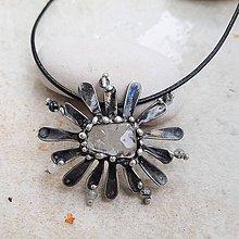 Náhrdelníky - FLower IRMA náhrdelník - 11163834_