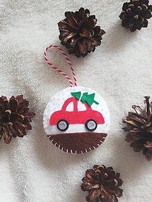 Dekorácie - Vianočná ozdoba s autíčkom - 11162300_