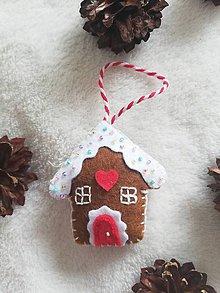 Dekorácie - Vianočná ozdoba Perníková chalúpka - 11162465_