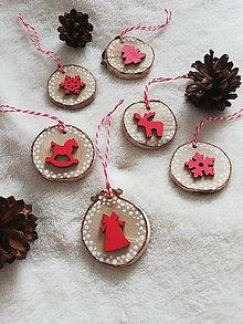 Dekorácie - Drevené vianočné ozdoby červené - 11162564_