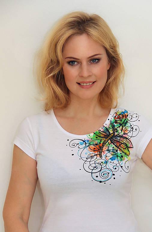 Maľované tričko s vážkou...