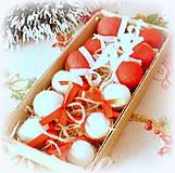 Dekorácie - Plstené vianočné oriešky s mašličkou - 11163809_