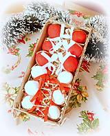 Dekorácie - Plstené vianočné oriešky s mašličkou - 11163811_