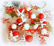 Dekorácie - Plstené vianočné oriešky s mašličkou - 11163816_