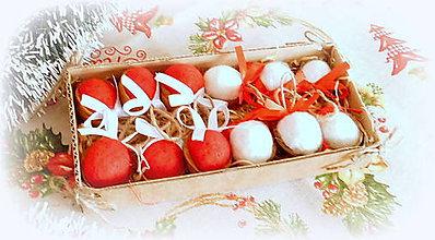 Dekorácie - Plstené vianočné oriešky s mašličkou - 11163815_