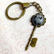 Kľúčenky - Snowflake Obsidian Flower Key Keychain / Kľúčenka s vločkovým obsidiánom - kľúč s kvetom - 11166000_