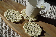 Úžitkový textil - hačkovaná podšálka, vanilková - 11164816_