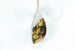 Náhrdelníky - Drevený zlatý 24K náhrdelník - Zlatá baňa - 11165563_