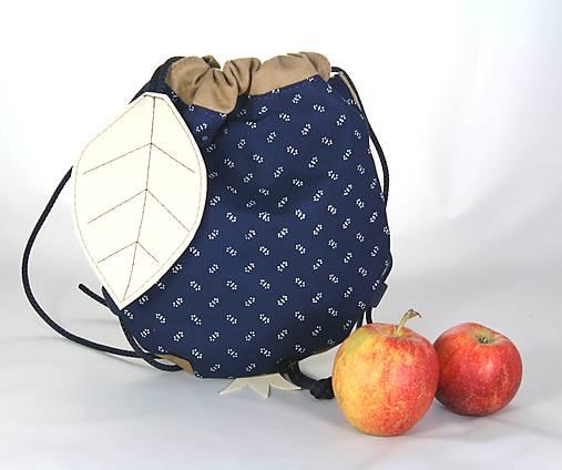 batoh Jabĺčko hnedé + modrotlač 1