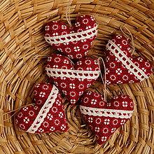 Dekorácie - Srdiečko s levanduľou (Červená s čipkou 6 cm) - 11165113_
