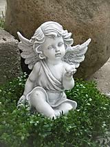 Dekorácie - S anjelom so srdiečkom na dlani - 11168003_