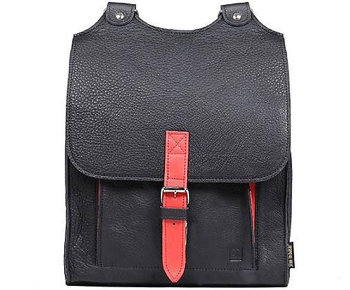 Kožený batoh černý s červeným řemínkem