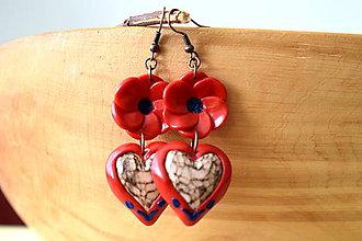 Náušnice - červené náušnice s lipovými srdiečkami - 11169019_