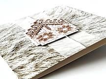 Papiernictvo - Puto domova II- vyšívaná vianočná pohľadnica - 11169881_