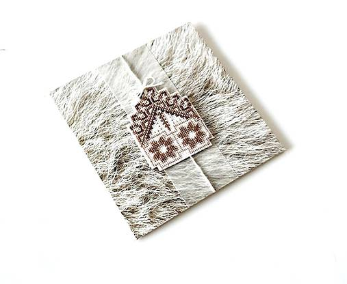 Puto domova II- vyšívaná vianočná pohľadnica