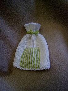 Detské čiapky - bielo-zelená čiapočka - 11172000_
