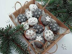 """Dekorácie - Vianočné oriešky """"hviezdičky"""" - sivé, biele - 11171164_"""