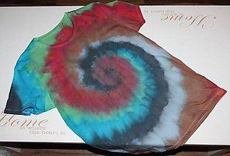 """Oblečenie - Pánske tričko, veľkosť M, """"farebná špirála"""" - 11172669_"""